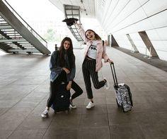 """Natacha & Melanie (@m.ocea.n) en Instagram: """"Celui quands nous étions arrivés à Paris. ✨"""""""