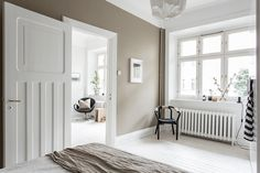 In interior design and in fashion, beige is back! Check out these inspiring homes that embrace the new neutral. Beige Walls, Warm Colors, Wall Colors, Living Room Wall Color, Classic Interior Design, Room Wall Colors, Contrasting Colors, Residential Interior, Basement Design