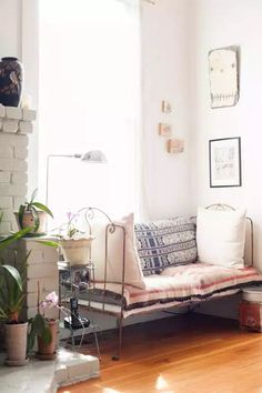 Daybed inspo   scatter cushions   pastels