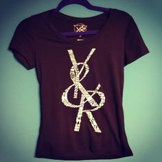"""YOUNG & RECKLESS TEE! NWOT  WELCOME TO MY CLOSET   ❎ALL CLOTHING IS IN GREAT CONDITION, UNLESS STATED OTHERWISE!   ❎PRETTY PLEASSSE USE THE OFFER""""BUTTON FOR MAKING OFFERS.   ❎BUNDLE DEALS THAT WILL TOTALLYYYY BLOW YOUR MIND! 10,20,30 & SOMETIMES EVEN 40% OFF!!   ❎PLEASE, NO OFFENSIVE LOWBALL OFFERS, THEY HURT MY FEELS                   NO TRADES  ❤️❤️PLEASE FEEL FREE TO ASK ME ANYTHING, OR JUST SAY HI! I LOVE MAKING NEW PFFS!!!❤️❤️  Young and reckless y&r rob dyrdek ridiculousness punk skate…"""