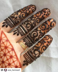 Henna d for fingers...