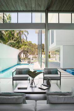 Contemporary three-storey residence located in Perth, Australia, designed by Vivendi. Beautiful Home Designs, Beautiful Homes, Beautiful Beach, Living Room Interior, Living Room Decor, Living Rooms, Interior Decorating, Interior Design, Dream Decor