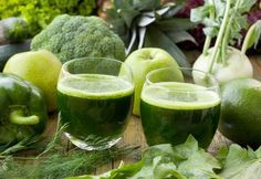 The holistic detox cure - Fitness Doctors! Fruit Smoothies, Healthy Smoothies, Superfood, Healthy Tips, Healthy Recipes, Healthy Food, Detox Kur, Juice Diet, Weight Loss Smoothies