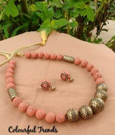 Diy Jewelry Necklace, Bead Jewellery, Beaded Jewelry, Jewelery, Handmade Jewelry, Necklaces, Ceramic Jewelry, Polymer Clay Jewelry, Antique Jewelry