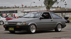 Very Clean Toyota AE86 (via @WhatMonstersDo )