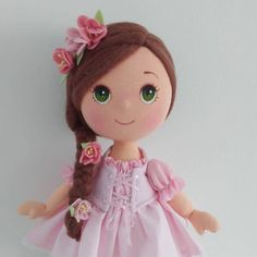 Boneca de pano - Como Faço Felt Crafts, Diy And Crafts, Arts And Crafts, Homemade Dolls, Fabric Toys, Felt Art, Diy Doll, Baby Dolls, Clip Art