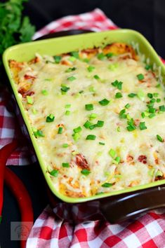 Enchiladas cu pui - CAIETUL CU RETETE Baby Food Recipes, Chicken Recipes, Cooking Recipes, Enchiladas, Tortillas, Avocado Salad Recipes, Enchilada Recipes, Summer Recipes, Bacon