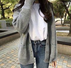 Korean Fashion – How to Dress up Korean Style – Designer Fashion Tips Korean Girl Fashion, Korean Fashion Trends, Ulzzang Fashion, Korean Street Fashion, Asian Fashion, Look Fashion, 70s Fashion, Korean Fashion School, Korean Fashion Winter