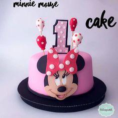 Torta Minnie Cake - cake by Giovanna Carrillo