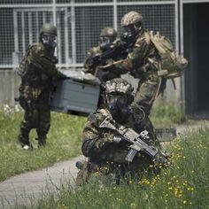 German KSK Operators ~@Bundeswehr ______________________________ #germany #deutschland #germanmilitary #KSK #Airforce #Specialforces…
