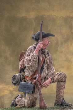 Frontiersman Golden Morning Print By Randy Steele Most likely a farmer fighting for freedom. Native American Art, American History, Mountain Man Rendezvous, Military Drawings, Longhunter, Cowboy Horse, Us Army Rangers, American Revolutionary War, American Frontier