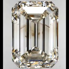We are GIA Certified loose diamond dealers in New York. Our diamonds are skillfully sourced and priced appropriately to help you craft better. Ashiv Diamonds : Custom Engagement Rings, Diamonds, Jewelry, Diamond Jewelry, Loose Diamonds, Ring Setting.