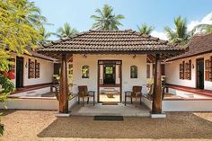 traditional house with mud plaster Village House Design, Kerala House Design, Village Houses, Kerala Architecture, Architecture Plan, Home Goods Decor, Home Decor Shops, Farmhouse Plans, Farmhouse Design