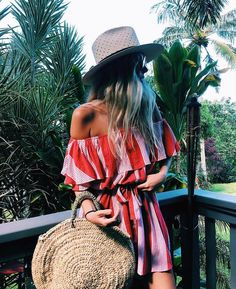 The Most Popular Genious Street Style Ideas To Try Right Now I love everything about this summer outfit. Lovely Summer Fresh Looking Outfit. The Best of summer fashion in Fashion Mode, Boho Fashion, Fashion Trends, Dress Fashion, Fashion Clothes, Fashion Outfits, Style Clothes, Fashion Pants, Latest Fashion