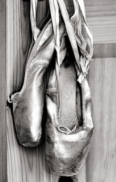 Old Ballet Shoes Print By Jane Rix