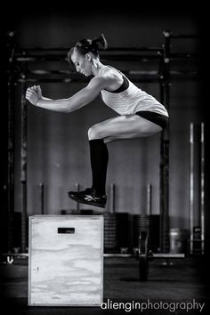 Box Jumps... My fave. Oh how I miss these. Still healing up my stress fractures after doing the Murph.