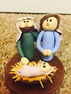 Nativity Set for Small Spaces, Miniature Manger with Holy Family, Religious Christmas Decoration by ChristmasKane on Etsy https://www.etsy.com/listing/479801194/nativity-set-for-small-spaces-miniature