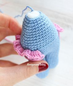 Cuddle Me Hippo amigurumi pattern - making skirtCreate your own lovely crochet hippo with our step-by-step Cuddle Me Hippo Amigurumi Pattern!This cute crochet cow amigurumi is super soft and huggable! Create a friendly crochet cow using our step-by-s Crochet Hippo, Crochet Teddy, Cute Crochet, Crochet Dolls, Crochet Skirt Pattern, Crochet Patterns, Amigurumi Patterns, Amigurumi Doll, Loom Knitting Stitches