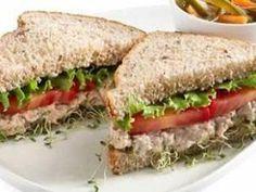 Receita de Sanduíches Integrais de Atum com Philadelphia - Tudo Gostoso