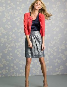 A great work look. Being a teacher makes it hard to want to invest in overly professional pieces, but I want to look professional! Love this outfit. Business Fashion, Business Attire, Work Fashion, Fashion Outfits, Womens Fashion, Fashion Ideas, Cropped Cardigan, Cashmere Cardigan, Coral Cardigan