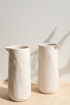 Ceramic Tableware, Ceramic Clay, Porcelain Ceramics, White Ceramics, Fine Porcelain, Pottery Mugs, Ceramic Pottery, Pottery Art, Keramik Design