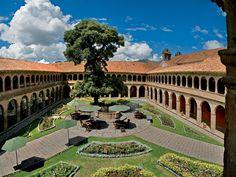 Hotel Monasterio. Cuzco. Peru. HERMOSO.