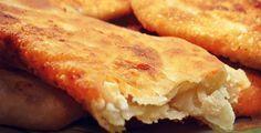 Όπως και να το πει κανείς…τηγανόψωμο, τυρόψωμο ή τυροπιτάρι…το αποτέλεσμα είναι το ίδιο. Το «ταπεινό» ψωμο-τύρι εν τη ενώσει του!ΥΛΙΚΑ½ κιλό αλεύρι για όλες τις χρήσεις1 φακελάκι ξερή μαγιά2 κ.σ. ξύδι