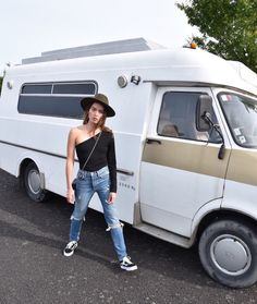 Nami from NZ fashion blog serendipity ave wearing revolve and FRWD caravan
