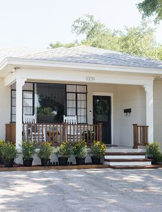 48 Cozy Front Porch Design And Decor Ideas That Looks Cool Front Porch Makeover, Home Exterior Makeover, Exterior Remodel, Front Porch Remodel, Front Porch Addition, Front Porch Design, Front Porch Pergola, Corner Pergola, Outdoor Pergola