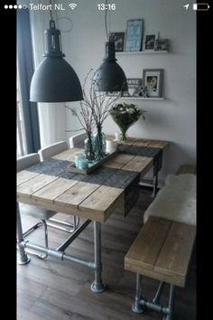 De eettafel en bank maar grijs vervangen door wit en beige als meubels ...