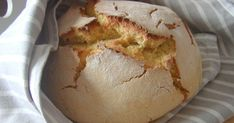 Armada em padeira, deu-me para fazer uma broa! O resultado final foi este, e estava realmente muito boa. Ingredientes para 1 broa: 200gr ...