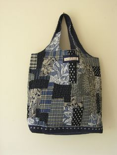 Japanese Patchwork, Japanese Sewing, Japanese Textiles, Japanese Fabric, Boro Stitching, Sashiko Embroidery, Denim Bag, Fabric Bags, Quilted Bag