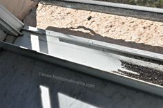 Limpiar los carriles de las ventanas sin esfuerzo