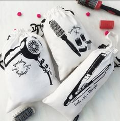 Organise yourself in style with bags specially designed for specific hair accessories. Hair Accessory Dustbags, Available now Product ID : 102298 DM for details. My Bags, Purses And Bags, Embroidery Hearts, Transparent Bag, Craft Bags, Goodie Bags, Diy Fashion, Cosmetic Bag, Gifts For Mom