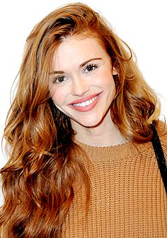 Holland Roden attends 'Ask me anything' premiere.