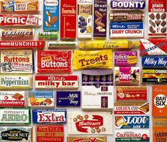 Remember these Retro British chocolate bars - print Old Sweets, Vintage Sweets, Vintage Candy, Retro Sweets Uk, Retro Candy, Vintage Food, British Candy, British Sweets, Bonbons Vintage