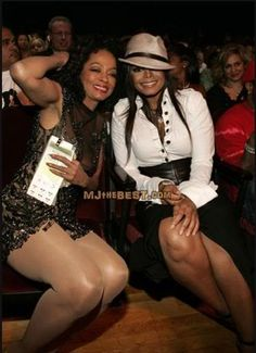 Diana Ross and Janet Jackson Jackson Family, Janet Jackson, Michael Jackson, Diana Ross, Black Celebrities, Celebs, Vintage Black Glamour, The Jacksons, I Love Music
