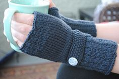 Ravelry: Optimistic Mitts pattern by Devin Joesting - free
