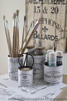 Croissant and lavender: Tin cans with classic decor Tin Can Crafts, Diy And Crafts, Recycled Tin Cans, Recycled Decor, Deco Retro, Altered Tins, Vintage Decor, Vintage Room, Vintage Diy