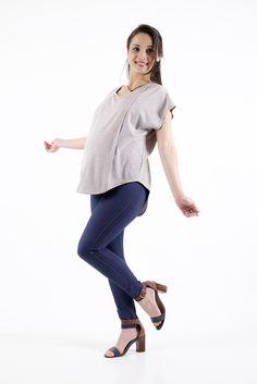 Look Gestante Criando Gente! Blusa para gestação possui aberturas laterais para amamentar e calça legging para gestação e pós parto, conforto incrível!!  #gestante #maternidade #roupas #criandogente #amamentacao #posparto #aleitamento #mae