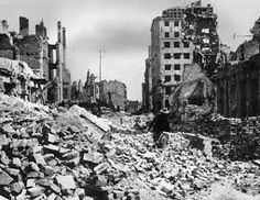 In the course of the war approximately 84 % of the city was destroyed largely due to German mass bombings but heavy artillery fire was also responsible. Paris Skyline, New York Skyline, Invasion Of Poland, Old Photographs, Axis Powers, Warsaw, World War Ii, Great Britain, Ww2