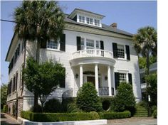 Search the largest selection of Charleston real estate with Carolina One Real Estate. View over listings and explore Charleston, SC homes for sale. Style At Home, Southern Belle Secrets, Southern Charm, Charleston Homes, Southern Homes, Southern Living, Southern Hospitality, French Country Decorating, Elegant Homes