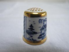 ROYAL CROWN DERBY  THE HISTORICAL COLLECTION  THIMBLE - THE CHINIOS c1985