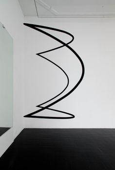 troika squaring the circle 3 Art Sculpture, Abstract Sculpture, Sculptures, Form Design, Design Art, Squaring The Circle, Black White Art, Shop Layout, Installation Art