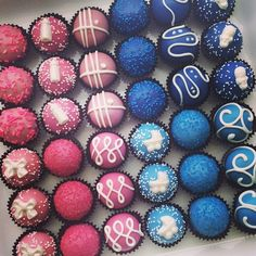 baby shower cake balls for a boy and girl. www.cakeballers.com #thecakeballers #cakeballers #cakeballer #cakeballs #pinkandblue #babyshower
