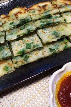 10分で簡単!本格派 ニラだけチヂミ☆の画像 Potluck Recipes, Side Dish Recipes, Pork Recipes, Veggie Recipes, Asian Recipes, Dinner Recipes, Healthy Recipes, Asian Cooking, Easy Cooking