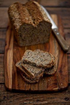 Moje Wypieki | Chleb razowy z ziarnami