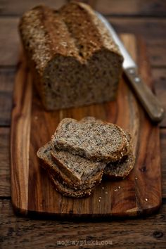 Wholemeal bread with grains
