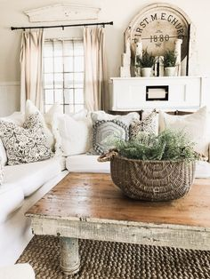 33 ideas shabby chic farmhouse living room baskets for 2019 Cute Dorm Rooms, Cool Rooms, New Wall, Living Room Designs, Living Rooms, Kitchen Living, Apartment Living, Living Area, Kitchen Decor