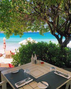 Lunch Time  Almoço com a vista mais linda!  O restaurante do @hotel_taiwana é sensacional. De comer de joelhos!  #summerdays #stbarth #fhitsstbarth @fhits